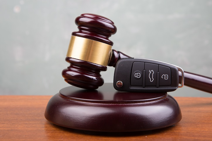 How Much Does a Lawyer Get from a Car Accident Settlement