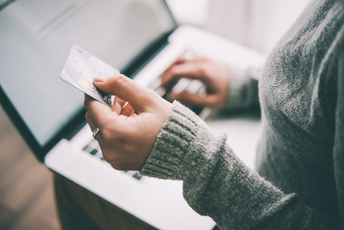 How to Keep Your Credit Card Safe Online