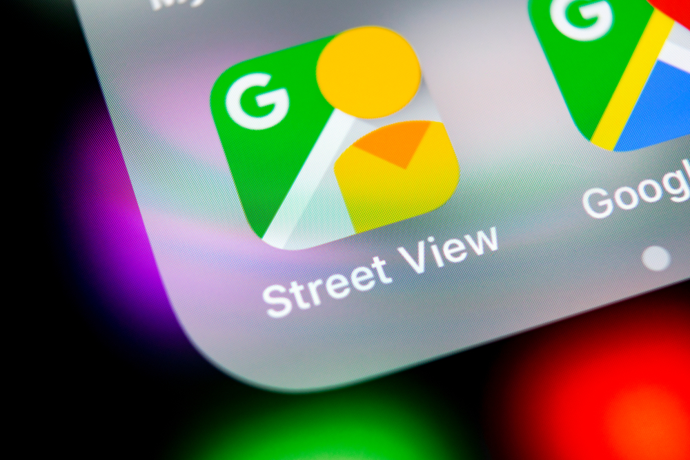 Google Maps Street View, How to use Google Maps Street View