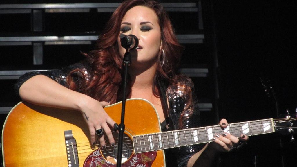Demi Lovato, Demi Lovato Biography, Demi Lovato Photos