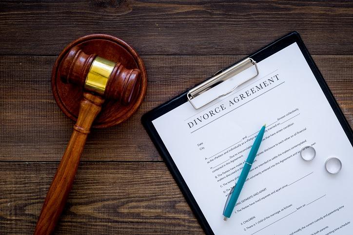 How Do Assets Divide in a Divorce