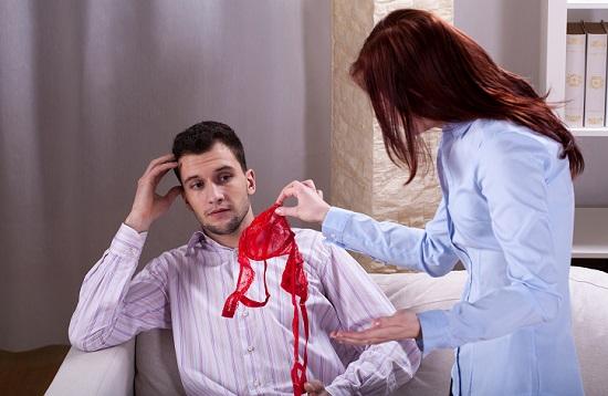 cheating boyfriend signs
