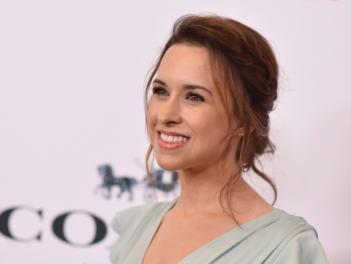 Lacey Chabert Background Check