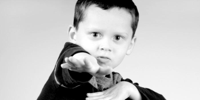 a kid being boastful
