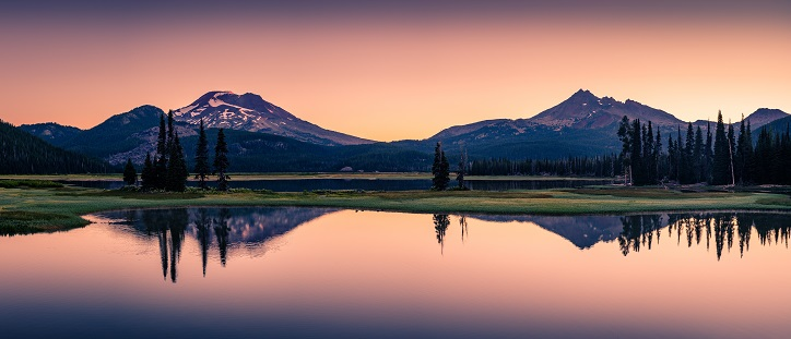 Sparks Lake in Central Oregon Cascade Lakes Highway