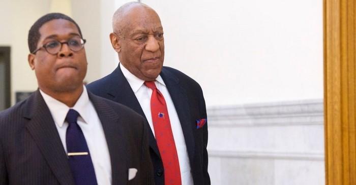 Bill Cosby trial - Bill Cosby walking in court