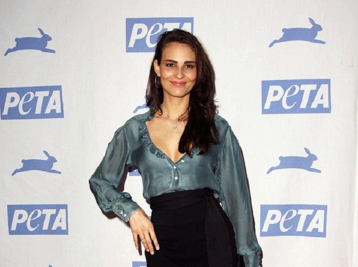 Fernanda Tavares Public Records