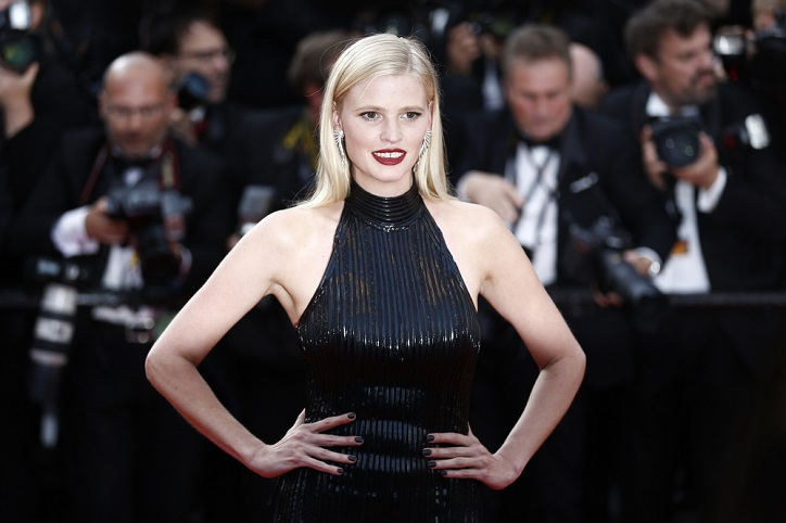 Lara Stone Background Check